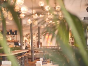 Restaurante Makkila decorado por Belén Ferrándiz